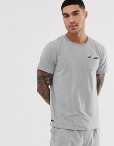 Серая футболка с карманом на груди Lacoste - Серый