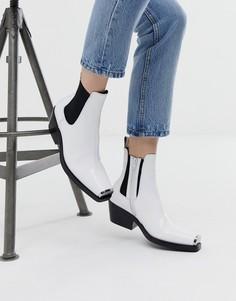 Ботинки челси в стиле вестерн на среднем каблуке Jeffrey Campbell Poker - Белый