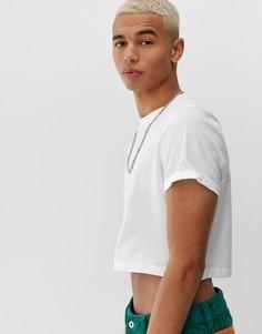 Белая короткая футболка из органического хлопка с круглым вырезом и отворотами на рукавах ASOS DESIGN - Белый