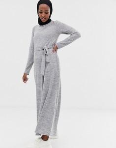 Серое меланжевое платье макси с поясом ASOS DESIGN - Серый