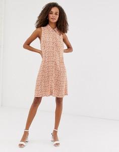 Платье на пуговицах без рукавов с цветочным принтом New Look - Коричневый