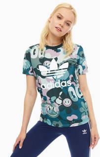 Яркая футболка с логотипом бренда Adidas Originals