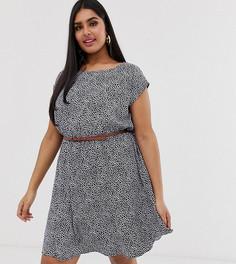 Короткое приталенное платье мини с поясом и цветочным принтом Yumi Plus - Темно-синий