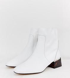 Белые кожаные ботинки на черепаховым каблуке River Island - Белый