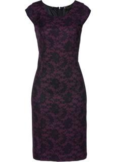 Платье-футляр с кружевным принтом Bonprix
