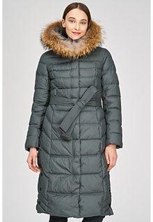 Стеганое пальто с отделкой мехом енота La Reine Blanche