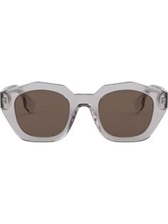 Аксессуары Burberry Eyewear