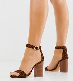 Босоножки на блочном каблуке с тигровым принтом для широкой стопы Glamorous - Мульти