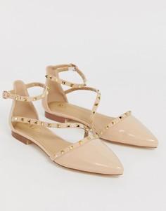 Нюдовые лакированные туфли на плоской подошве с заклепками RAID Eden - Бежевый