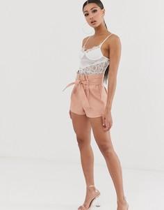 Персиковые шорты из искусственной кожи с присборенной талией Missguided - Розовый