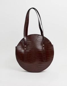 Круглая сумка-шоппер с эффектом крокодиловой кожи ASOS DESIGN - Коричневый