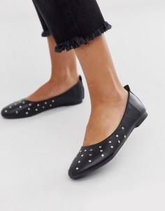 Туфли на плоской подошве с отделкой заклепками Vero Moda - Черный
