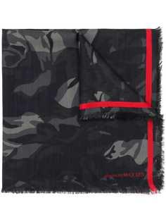 Alexander McQueen шарф с камуфляжным узором