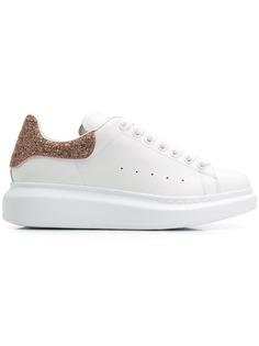 Alexander McQueen кроссовки в стиле оверсайз