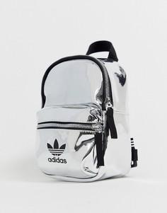 Переливающийся миниатюрный рюкзак с логотипом-трилистником adidas Originals - Серебряный