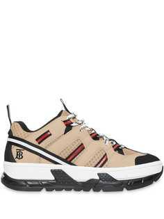 Burberry кроссовки с сетчатыми вставками и монограммой