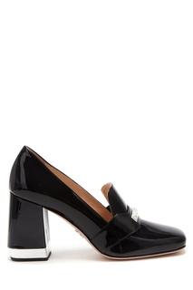 Черные лакированные туфли Prada