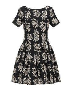 Короткое платье Charlotte