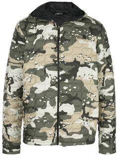 The North Face камуфляжная куртка с капюшоном