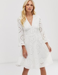 Короткое приталенное платье мини с вышивкой ришелье Y.A.S-Белый