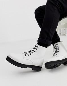 Белые ботинки из искусственной кожи на шнуровке и толстой подошве ASOS DESIGN-Белый