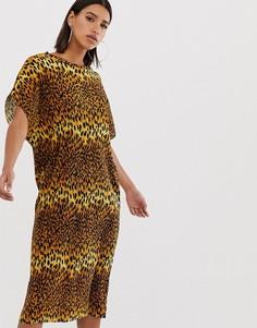 Платье-футболка миди с леопардовым принтом ASOS DESIGN-Мульти