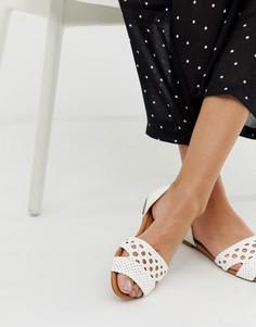 Туфли на плоской подошве Qupid-Белый