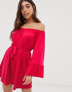 Платье с открытыми плечами и расклешенными рукавами Lipsy-Розовый