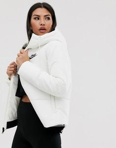 Белая дутая куртка Nike-Белый