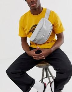 Светло-серая сумка-кошелек на пояс со штрихованным принтом Herschel Supply Co Sixteen, 5 л-Серый