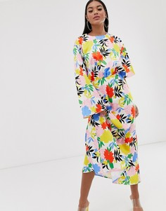 Платье макси с асимметричными рукавами и ярким цветочным принтом ASOS DESIGN-Мульти