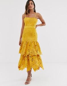 Желтое премиум-платье из кружева кроше на бретельках Forever U-Желтый