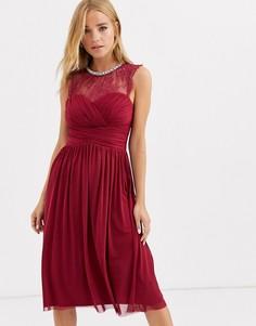 Присборенное платье миди малинового цвета с кружевной вставкой Lipsy-Красный