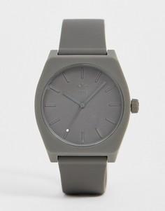 Серые часы с силиконовым ремешком adidas SP1 Process-Серый