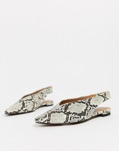 Туфли на плоской подошве со змеиным принтом и ремешком через пятку Topshop-Бежевый