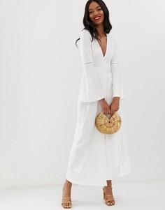 Платье макси с запахом и вышивкой ришелье ASOS DESIGN-Белый