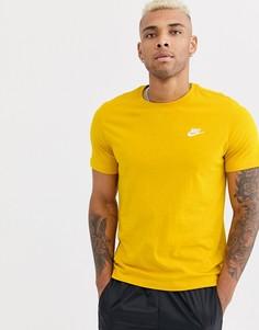 Желтая футболка Nike Club-Желтый