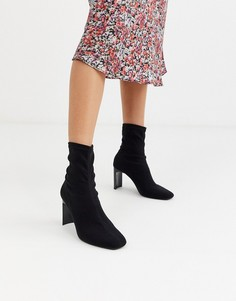 Черные ботинки на каблуке Bershka-Черный