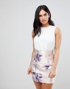 Платье с контрастной юбкой с цветочным принтом AX Paris-Розовый