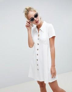 Платье-поло с черепаховыми пуговицами ASOS DESIGN-Белый