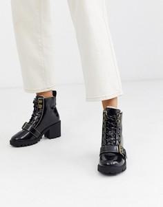 Черные походные ботинки на каблуке с пряжкой River Island-Черный