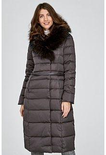Пуховое пальто с отделкой мехом енота La Reine Blanche