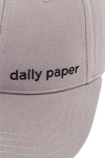 Серая бейсболка с логотипом Daily Paper