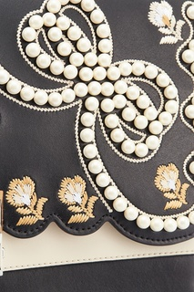 Кожаная сумка с жемчужной отделкой Kan I Fendi