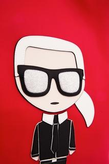Красная сумка с аппликацией Karl Lagerfeld
