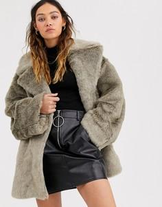 Серое пальто из искусственного меха Weekday-Серый