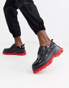 Черные лакированные ботинки на шнуровке с массивной красной подошвой ASOS DESIGN-Черный