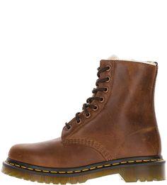 Высокие зимние ботинки из натуральной кожи Dr. Martens