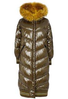 Пуховое пальто с отделкой мехом енота Reali 26