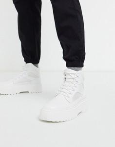 Белые ботинки из искусственной кожи на шнуровке и массивной подошве ASOS DESIGN-Белый